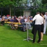 hessen-in-berlin.de | Gäste im Park der Landesvertretung