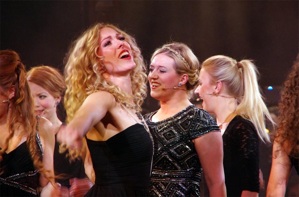 Palazzo | Singing Waiters